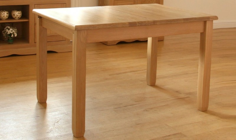 Pelham Dining Table