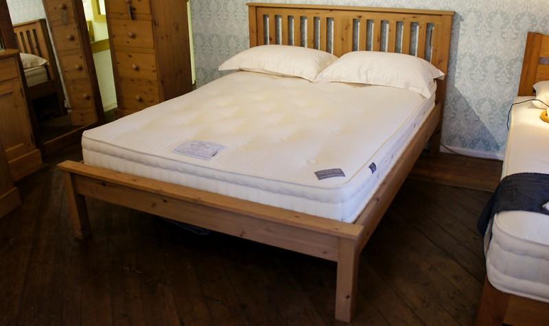 Shaker Slatted Bed