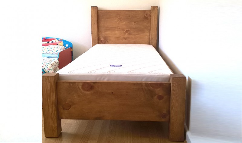 Pure (glue free / natural finish) Bed