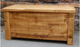 Plank Gate Blanket Box