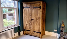 Plank Gate Wardrobe